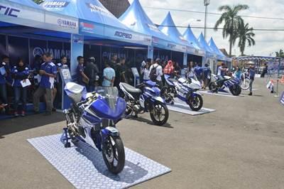 Booth Racing Kit Market di seri 1 Yamaha Cup Race di GOR Satria Purwokerto