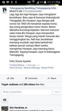 Bus Harapan Jaya terobos lampu merah Tabrak Motor , Hancur di Hakimi masa 03Pertamax7.com