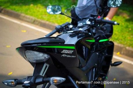 Foto Yamaha R15 Special edition Tech3 Motogp Pertamax7.com_-58