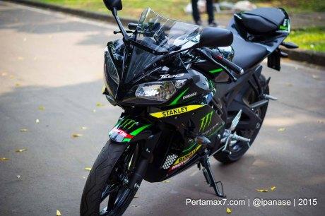 Foto Yamaha R15 Special edition Tech3 Motogp Pertamax7.com_-77