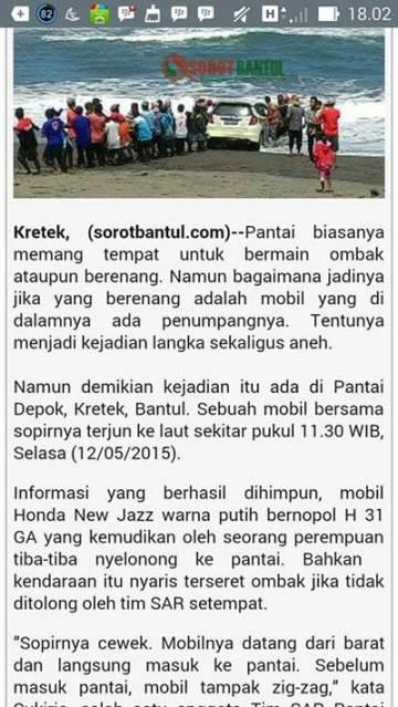 Honda Jazz Nyebur Laut Pantai Depok, di tolong Malah Kabur