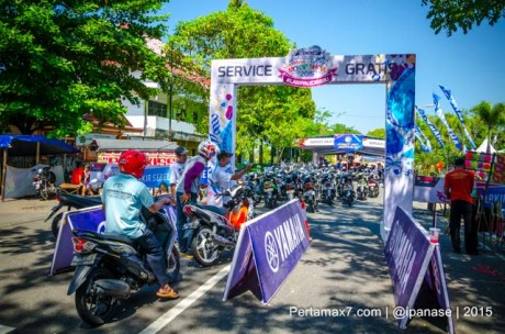 konsumen padati Service Gratis Yamaha Motor Show 2015 d Wonogiri pertamax7.com_