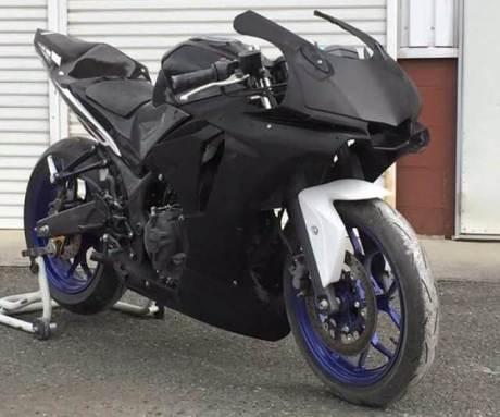 Modifkasi Yamaha R25 jadi ala Yamaha R1M 04 pertamax7.com