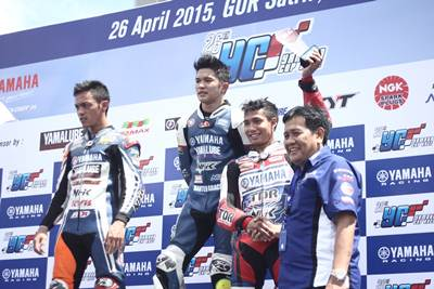Podium YCR 1(Moped 125 cc Tune Up Seeded dan Open Class Injeksi) Seri 1 Yamaha Cup Race 2015 di GOR Satria Purwokerto
