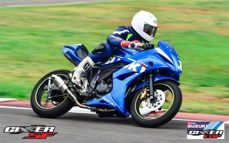 Suzuki Gixxer SF jadi Motor Balap Di India03Pertamax7.com