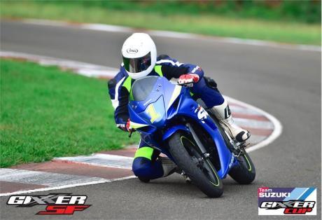 Suzuki Gixxer SF jadi Motor Balap Di India04Pertamax7.com