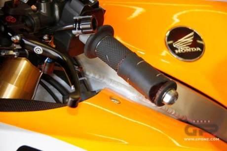 Trik Marquez hadapi Motogp Jerez dengan jari tangan retak  01Pertamax7.com