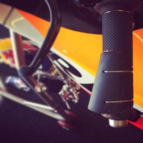 Trik Marquez hadapi Motogp Jerez dengan jari tangan retak  04Pertamax7.com