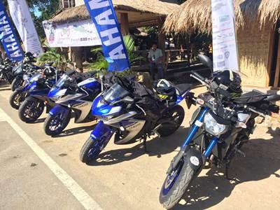 Tujuh motor besar Yamaha MT09 - YZF-R6 - YZF-R25 yang ditunggangi 7 Srikandi Women on Wheels Indonesia turing Jakarta ke Lombok-