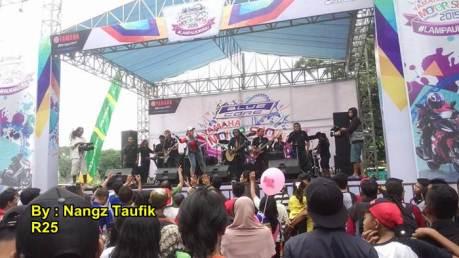 yamaha motorshow 2015 Malang dimeriahkan orkes dangdut MONATA