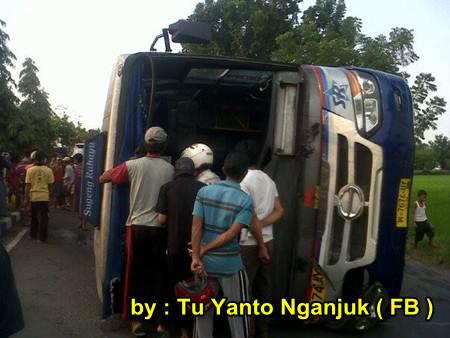 Akibat rem Blong, Bus Sugeng Rahayu Terguling di Nganjuk Jatim, 2 meninggal dunia 03 pertamax7.com