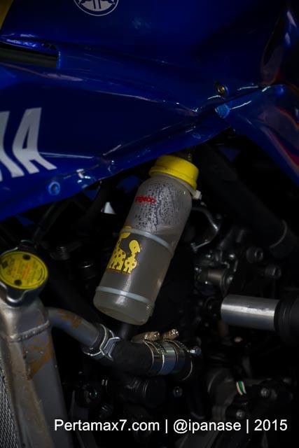 coolant diganti air mineral di  Yamaha Sunday Race seri 2 Sentul Pertamax7.com_-2