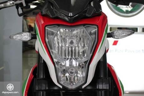 lampu depan Benelli TNT 250 08 pertamax7.com
