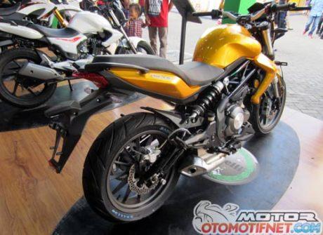 Modifikasi Benelli TNT 250 Emas Pekan Raya Jakarta 2015 benelli-tnt-250-jakarta-fair-2015-6Pertamax7.com