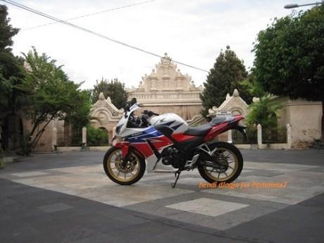 Modifikasi Honda CBR150R lokal pakai velg Daytona GP Wheel konsep CBR1000RR SP 07Pertamax7.com