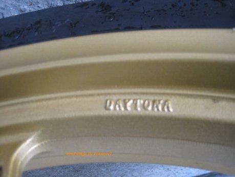 Modifikasi Honda CBR150R lokal pakai velg Daytona GP Wheel konsep CBR1000RR SP 09Pertamax7.com