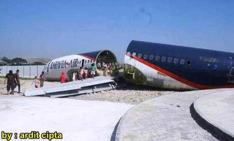 Pesawat Batavia Air dijadikan Musem Dirgantara di Karanganyar 11057997_1123552904327155_5568437259363664079_n pertamax7.com