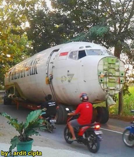 Pesawat Batavia Air dijadikan Musem Dirgantara di Karanganyar 11424458_1123017917713987_5219023289348249674_n pertamax7.com