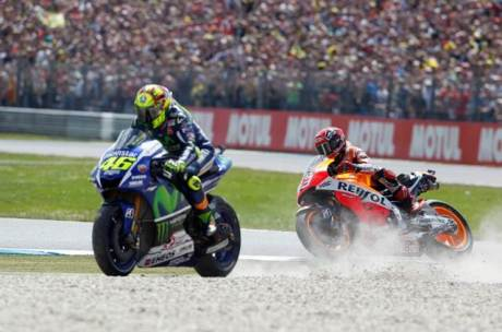 rossi vs marquez assen 2015 incident