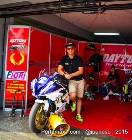 Start dari Posisi 9, Hendra Rusbule belum Klik dengan Mapping ECU Daytona Yamaha R25 nya Sunday Race R series 2015 pertamax7.com_-4