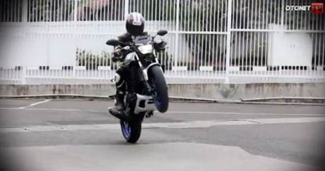 testride yamaha MT-25 enteng buat wheelie