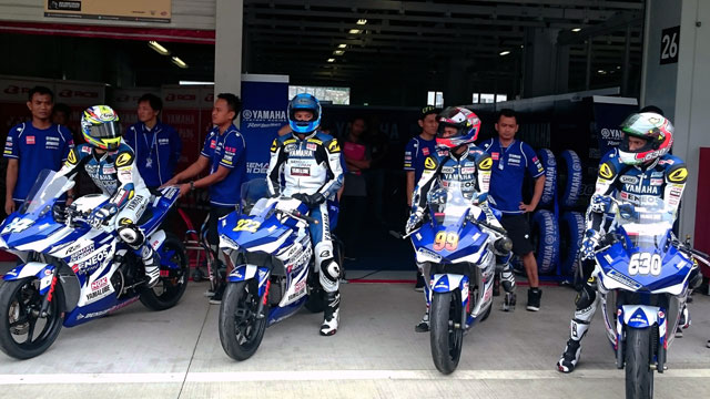 Aksi Yamaha R25 Latihan Bebas ARRC 3 di Suzuka Japan Targetkan Juara berteknologi Blue Core 05 Pertamax7.com