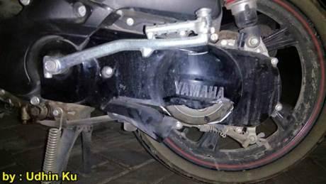 Cover CVT Yamaha X-ride ini Pecah ditabrak Honda CB150R sruntulan 01 pertamax7.com