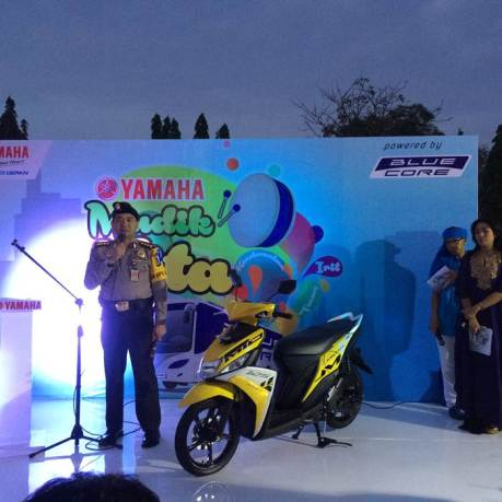 Kapolres Jakarta Timur Kombes Pol Umar Faroq SH,MH,MM memberikan sambutan dalam event Yamaha Mudik Kita 2015