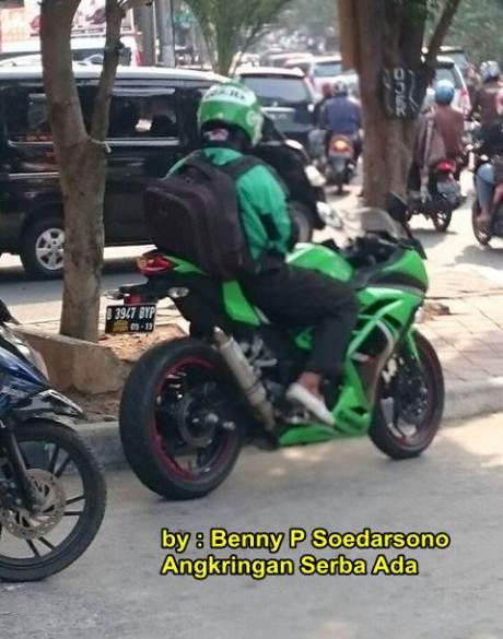 kawasaki ninja 250 FI SE hijau jadi armada GO-JEK cewek suka