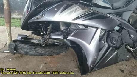 Kecelakaan Yamaha r15 Shock Patah di  Purwokerto 00 pertamax7.com