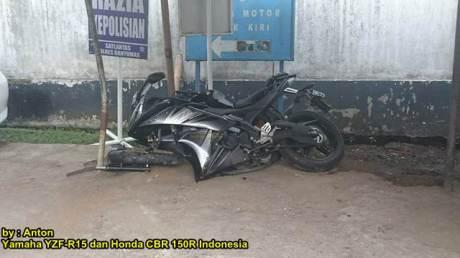 Kecelakaan Yamaha r15 Shock Patah di  Purwokerto 02 pertamax7.com