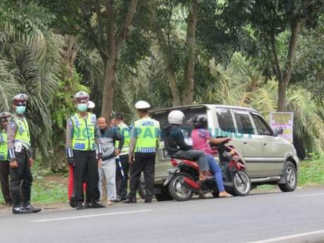 Kena Foto Wartawan, Razia Lalu Lintas Polisi Jelang Lebaran di Sumatera Utara Ini bubar jalan 04 pertamax7.com