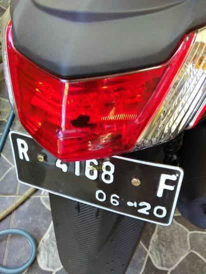 refelktor lampu senja yamaha Nmax meleleh pertamax7.com