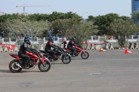 AHM Luncurkan 2 Model Baru All New Honda CB150R StreetFire dan New Honda Sonic 150R 02 pertamax7.com