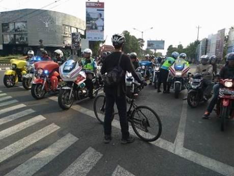Aksi Pemberani Goweser hadang Mogeh di Jogja supaya tidak terobos lampu merah 01 pertamax7.com
