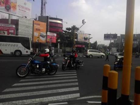 Aksi Pemberani Goweser hadang Mogeh di Jogja supaya tidak terobos lampu merah 03 pertamax7.com