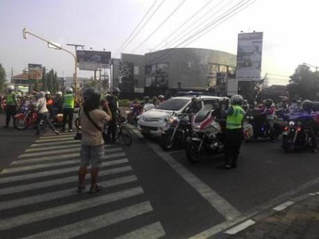 Aksi Pemberani Goweser hadang Mogeh di Jogja supaya tidak terobos lampu merah 05 pertamax7.com