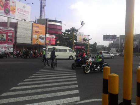 Aksi Pemberani Goweser hadang Mogeh di Jogja supaya tidak terobos lampu merah 06 pertamax7.com