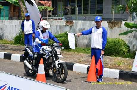 Astra Honda Safety Riding Instructor Competition 2015 di Palembang Hari Ketiga Uji Rem dan Keseimbangan 01 Pertamax7.com