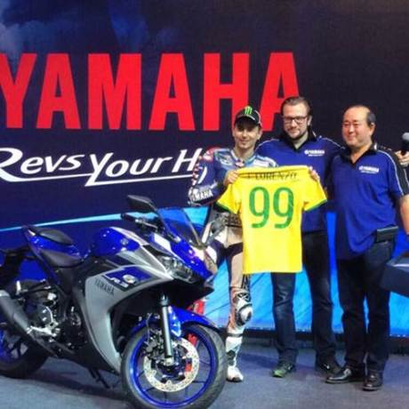 Jorge Lorenzo Perkenalkan Yamaha R3 di Brazil