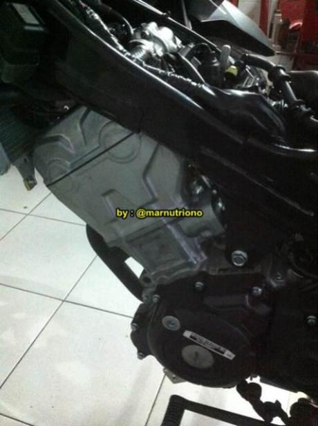 Kala New Honda Sonic 150R  Dibongkar Mesin Nampak Besar Nan Padat 01 Pertamax7.com