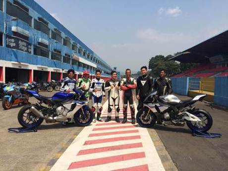 Lima pembeli pertama All New YZF-R1 di Yamaha Track Day di Sentul International Circuit