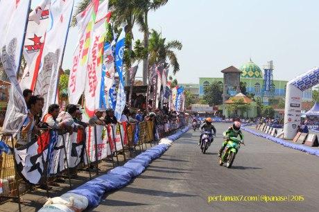 Masyarakat Kota Pati antusias saksikan Yamaha Cup Race seri 5 03 Pertamax7.com