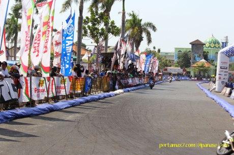 Masyarakat Kota Pati antusias saksikan Yamaha Cup Race seri 5 06 Pertamax7.com