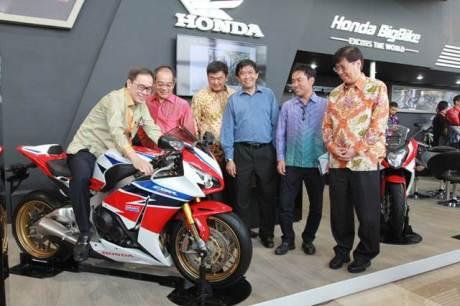 Mogeh Honda Ramaikan GIIAS 201500 pertamax7.com
