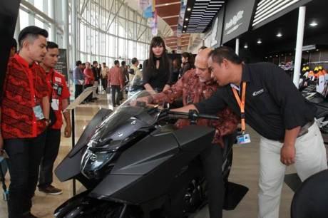 Mogeh Honda Ramaikan GIIAS 201503 pertamax7.com