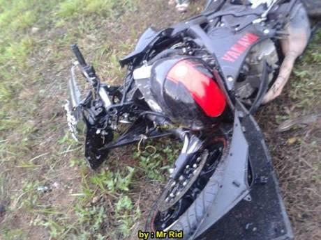 Ngeri, Kecelakaan Yamaha R25 shock Sampai Putus VS Mocin Remuk di Batam 02 pertamax7.com