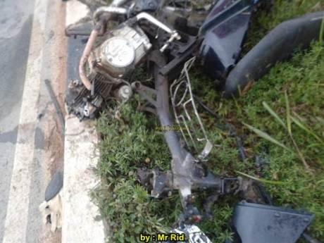 Ngeri, Kecelakaan Yamaha R25 shock Sampai Putus VS Mocin Remuk di Batam 03 pertamax7.com