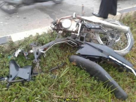 Ngeri, Kecelakaan Yamaha R25 shock Sampai Putus VS Mocin Remuk di Batam 04 pertamax7.com