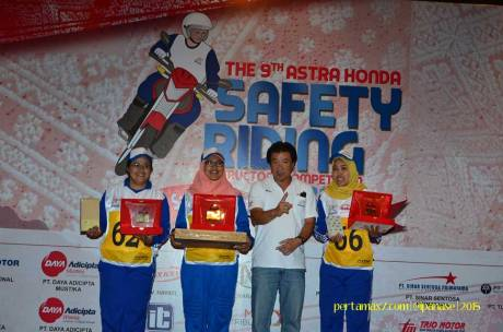 Pemenang Astra Honda Safety Riding Instructor Competition 2015 di Palembang 06 Pertamax7.com